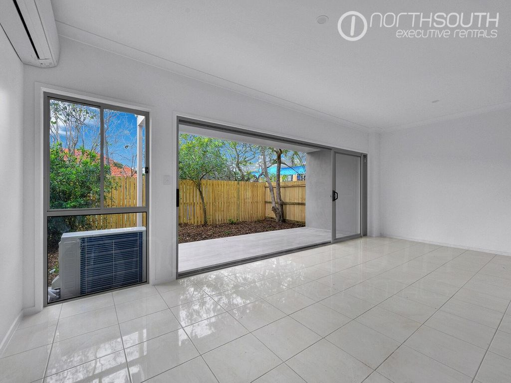 Three bedroom townhouse | Unfurnished