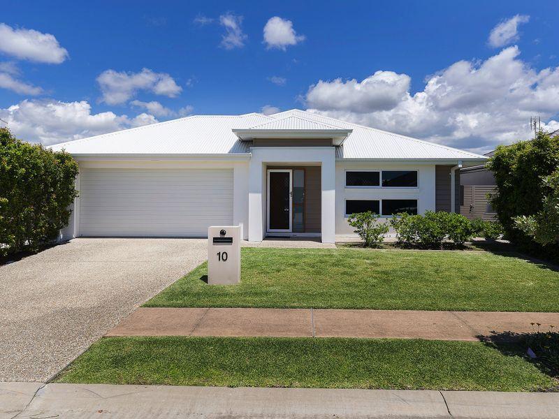 Beautiful Single Level Home – Presented Like New – Cova Estate