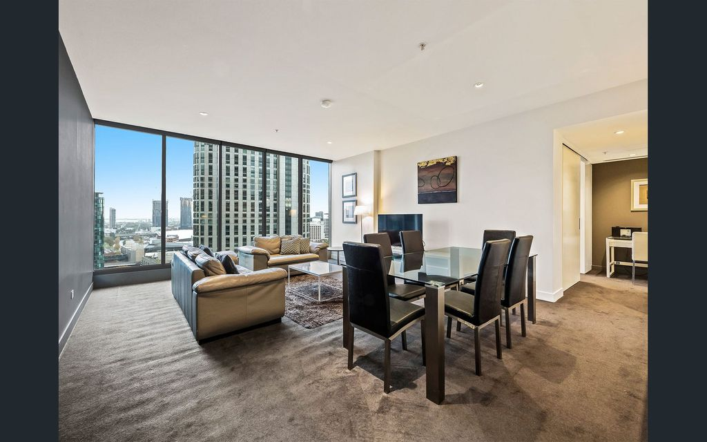 Large One Bedroom Apartment with Magical views in Freshwater Place-UNFURNISED