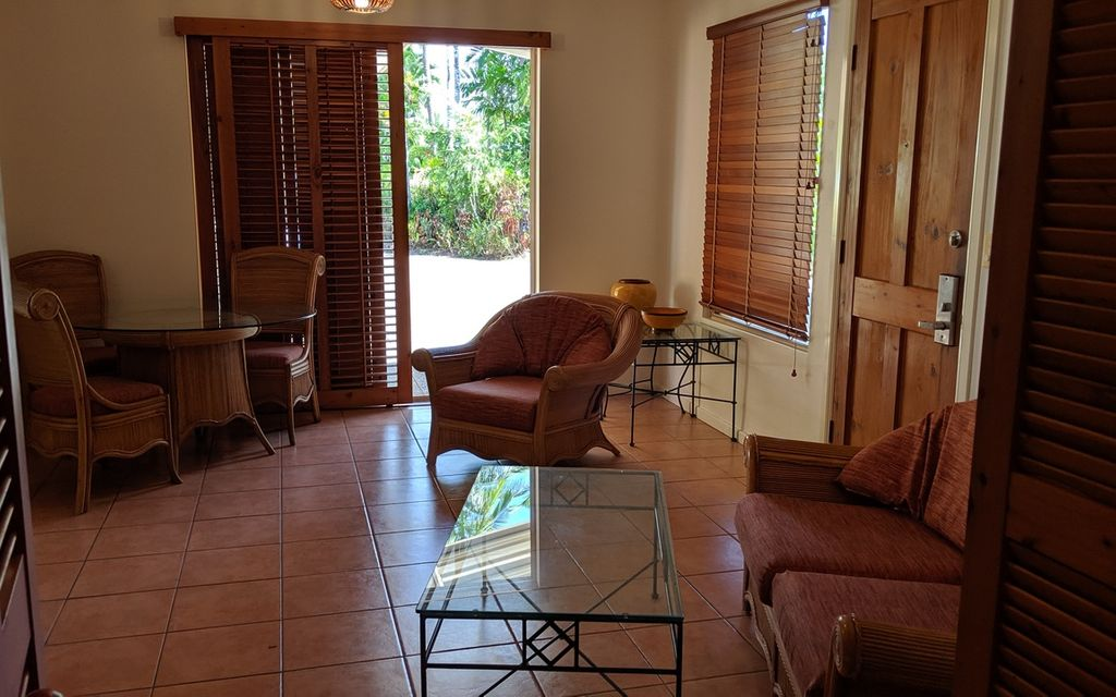 QUIET FURNISHED ONE BEDROOM – FOUR MILE BEACH