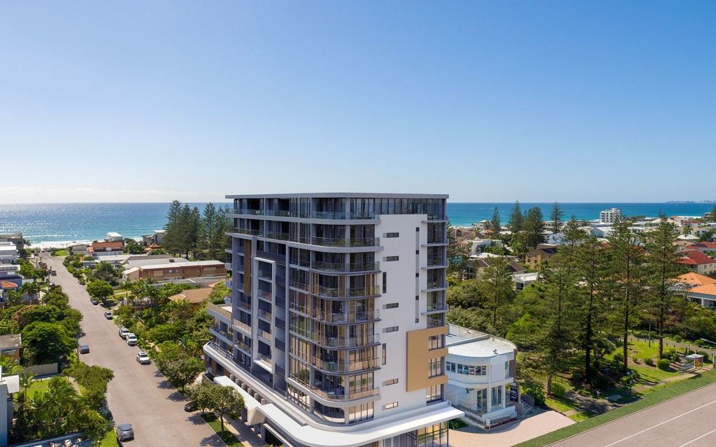 PANORAMIC NORTH SKYLINE AND OCEAN VIEWS ARE SET TO DELIGHT