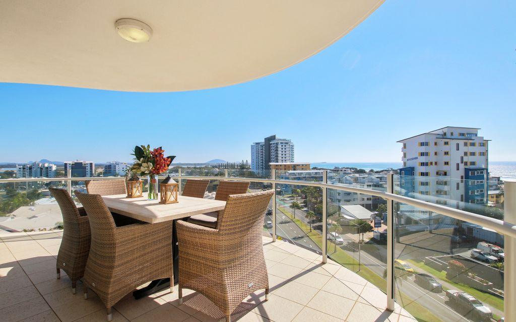 6th Floor – North Facing Ocean View 2 Bedroom Apartment