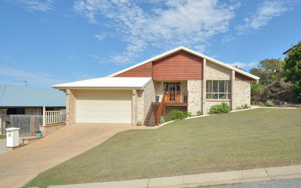 Spacious family home in Glen Eden…with side access & solar!