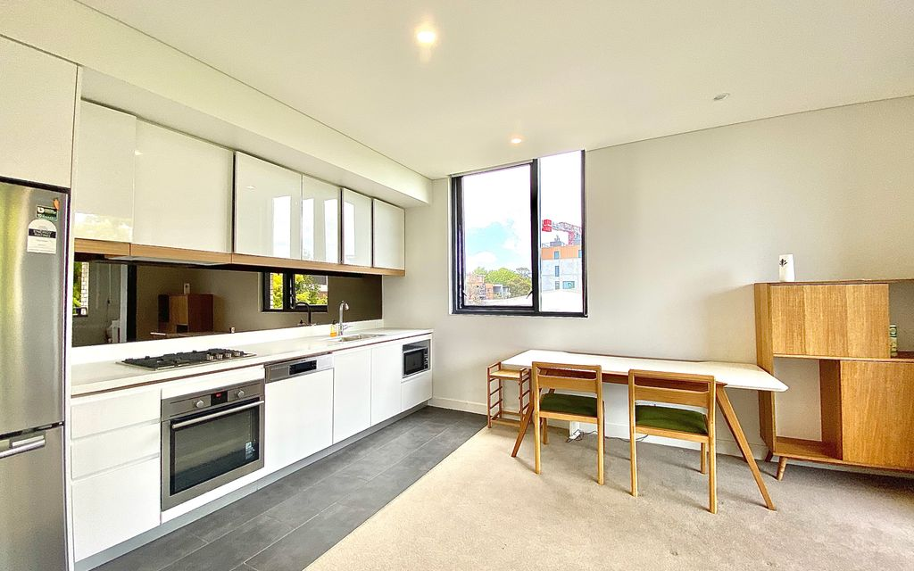 2 Bedroom + Study North Facing Corner Apartment! (Partly Furnished)