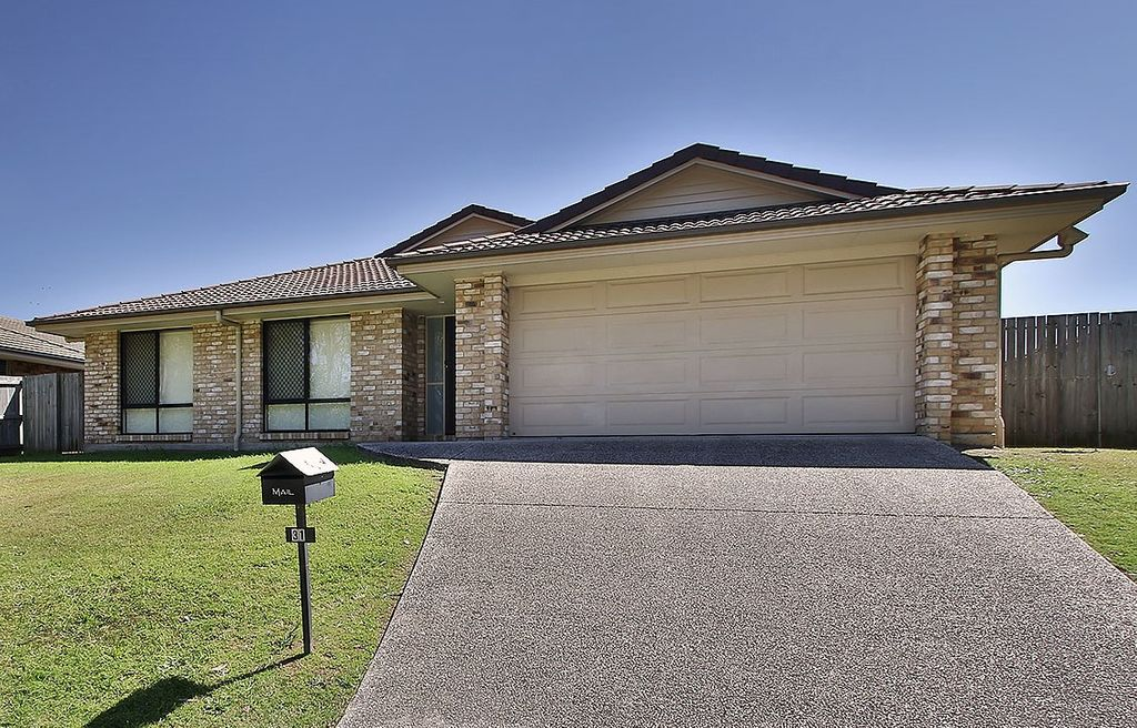 Large Family Home With Side Access!