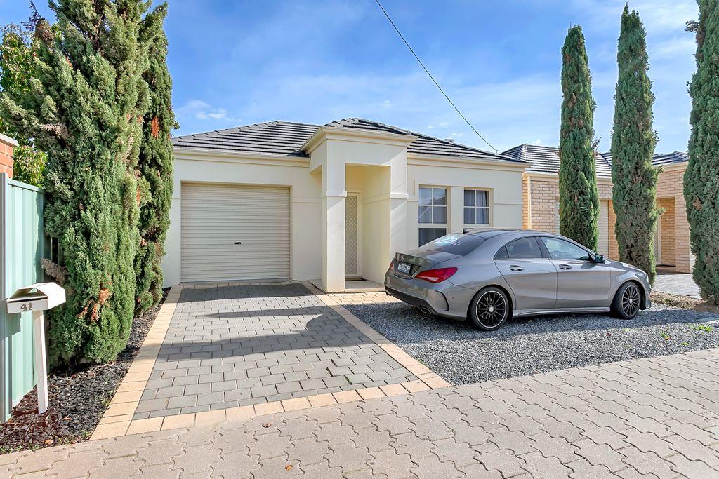 Stylish Courtyard Residence For Astute Investor