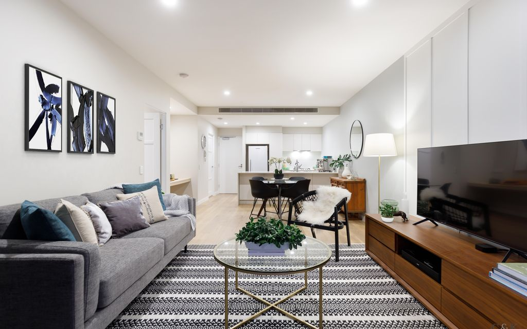 Spacious Luxe Living in Lifestyle Precinct
