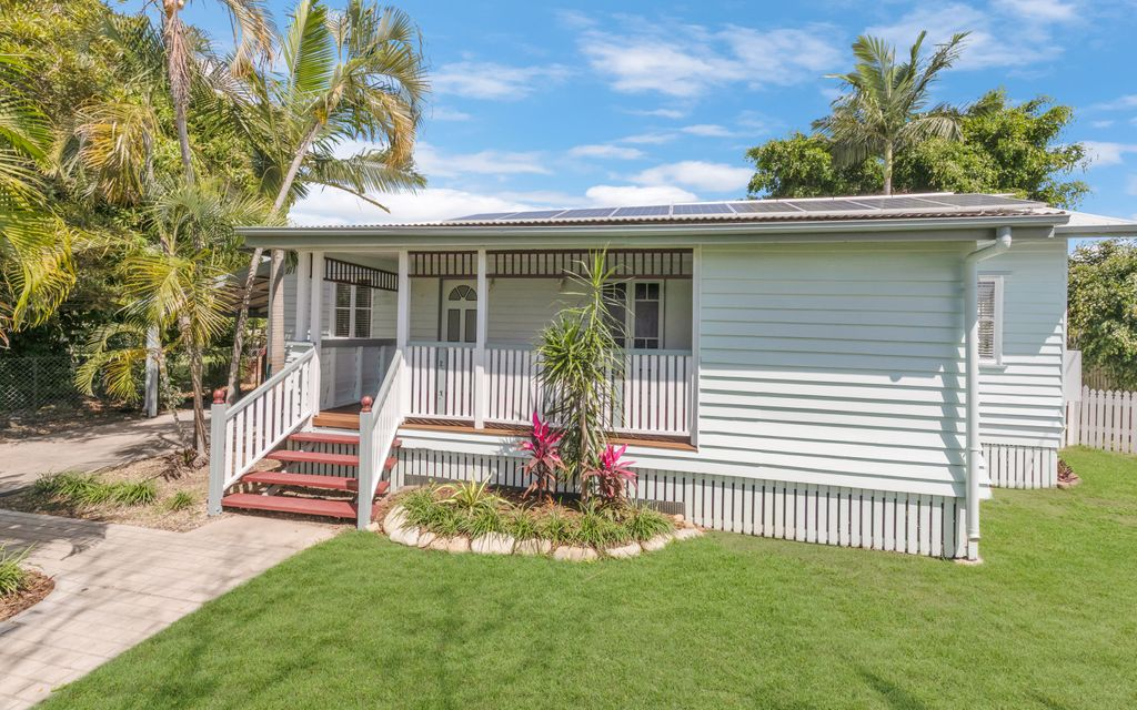 Charming Queenslander on Kings with SOLAR