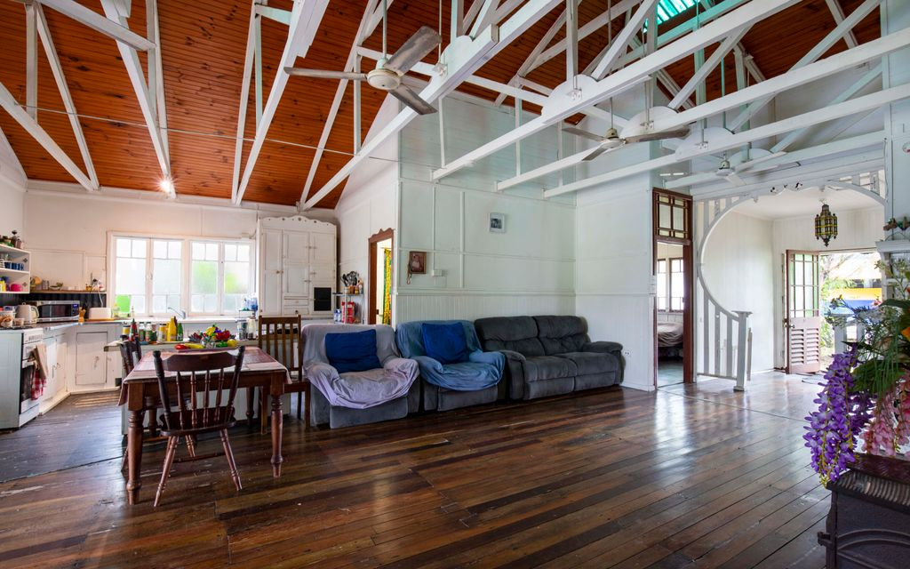 ART DECO HISTORICAL HOME IN THE HEART OF MOSSMAN