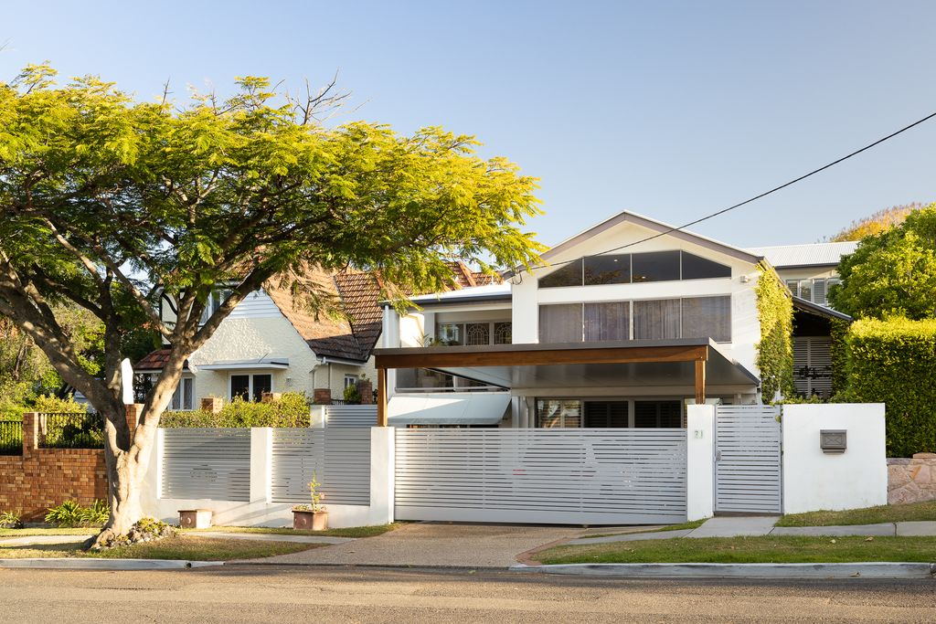 Modern fully furnished family home