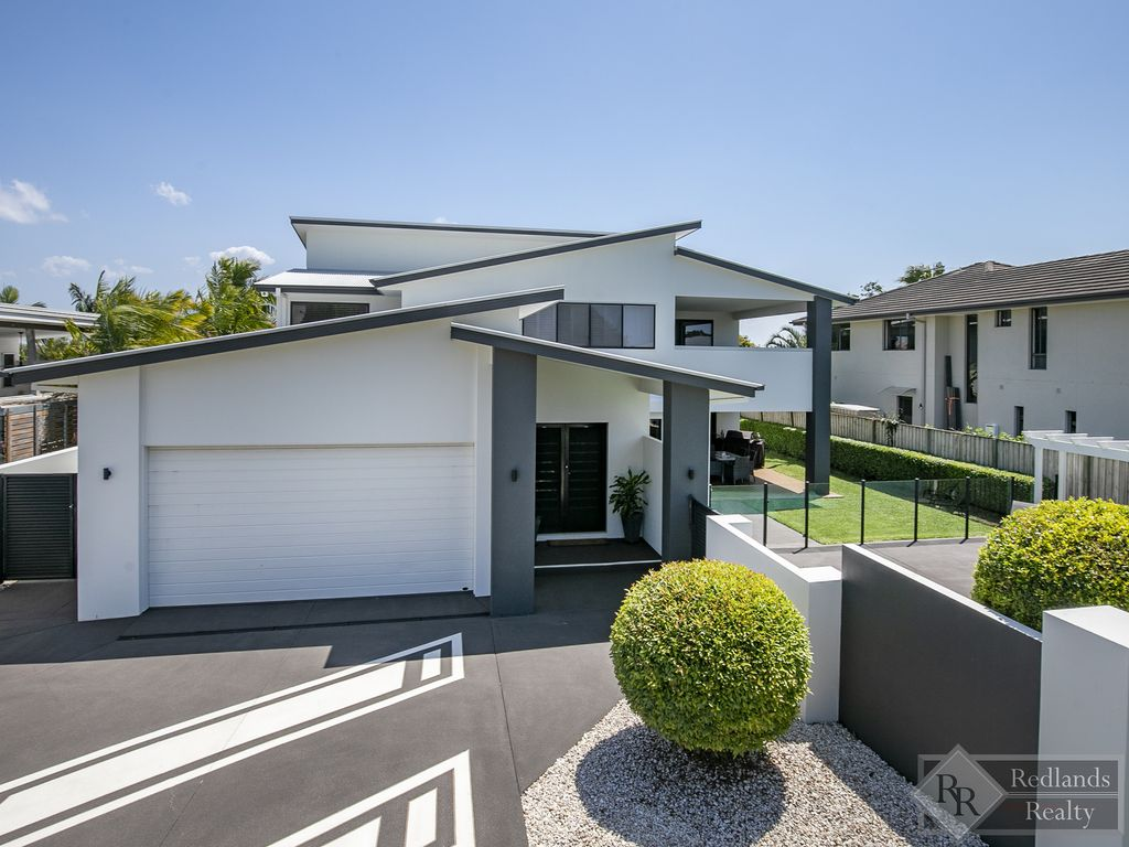 A RARE FIND.. HIGH SPEC FAMILY RESIDENCE IN MUCH SOUGHT AFTER LOCATION….