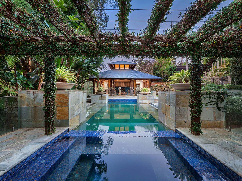 Resort Style Oasis In Fig Tree Pocket