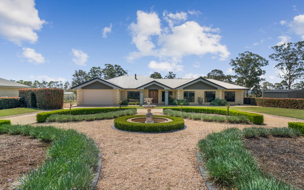 Spectacular Quality Country Living At It's Best!!