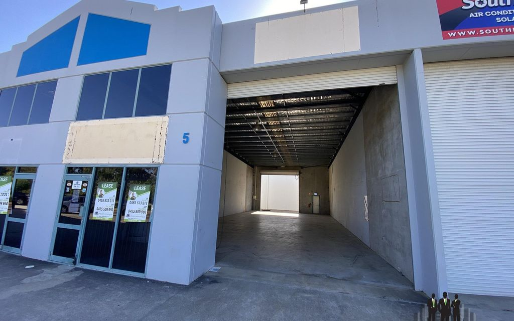 Open Plan Warehouse Available Now!