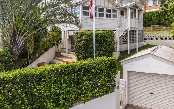 Charming Queenslander with City Views!