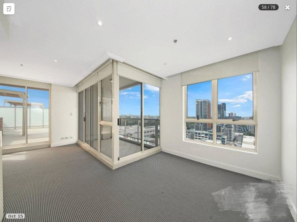 Massive Penthouse for Lease! 3 Beds 2 Baths and 2 Parking!