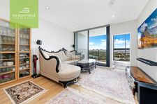 Park Front City View Stunning 2 Bedroom + Small Study Apartment