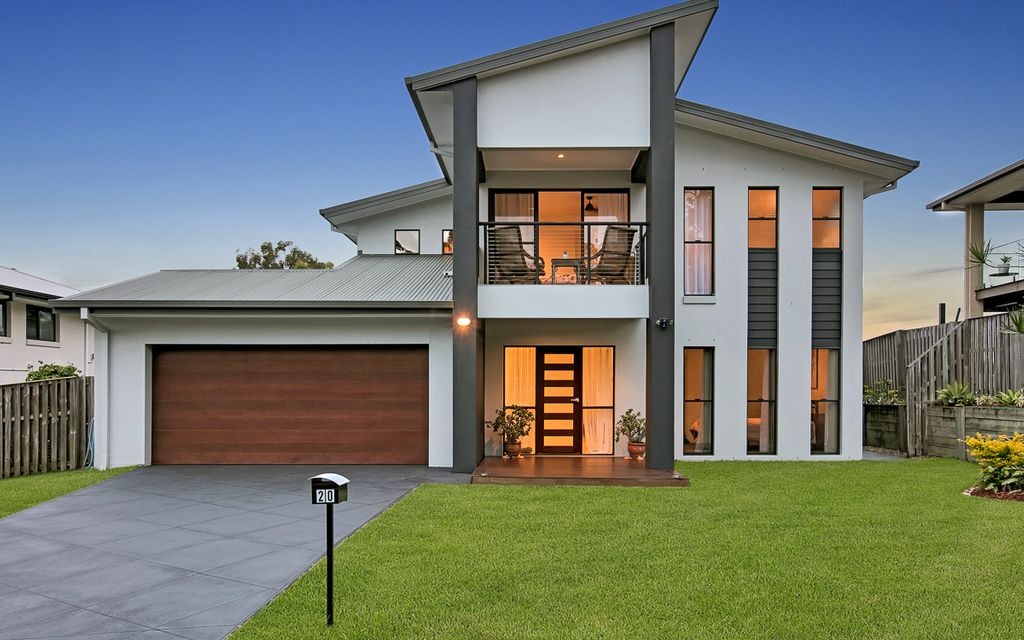 Immaculate Spacious Family Home Overlooking Parkland