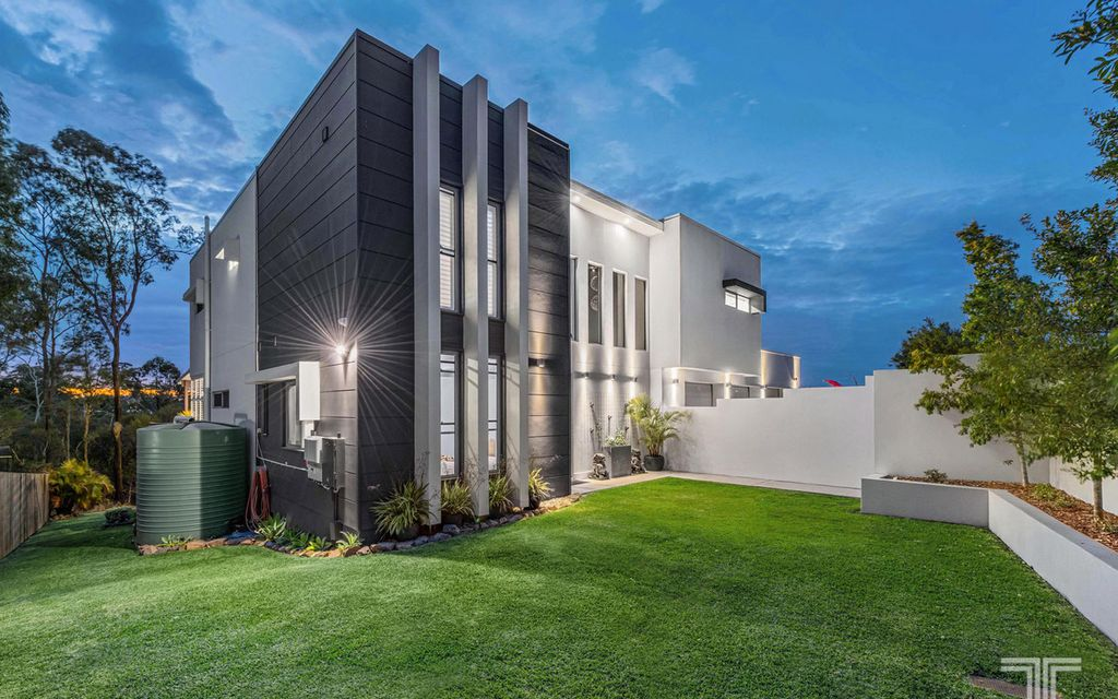 Exquisite Entertainer on 1152sqm in a Tranquil Enclave