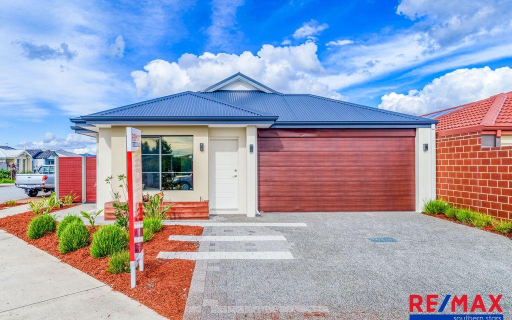 Premium 2017 Built Park Front Home Ready to Go!
