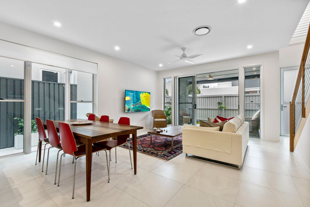 Partly Furnished Luxury Townhouse in the Heart of Coolum