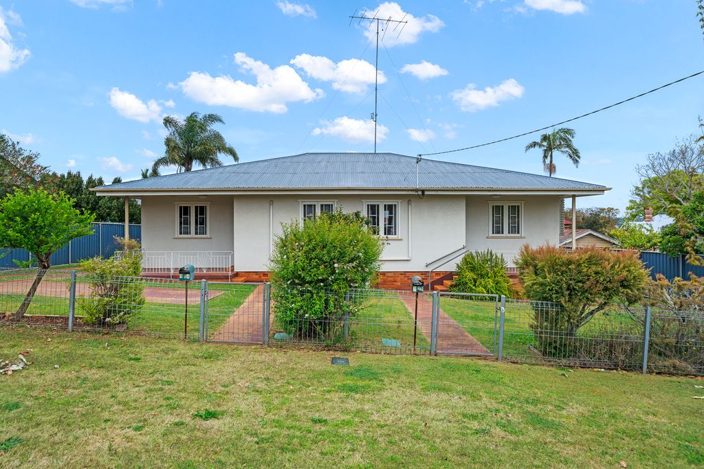Outstanding Duplex Investment Opportunity – Buy One or Both!
