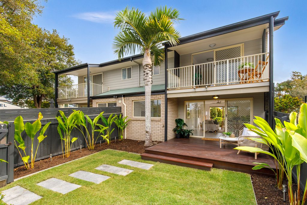 Lakeside living in a sought-after pocket of Noosaville