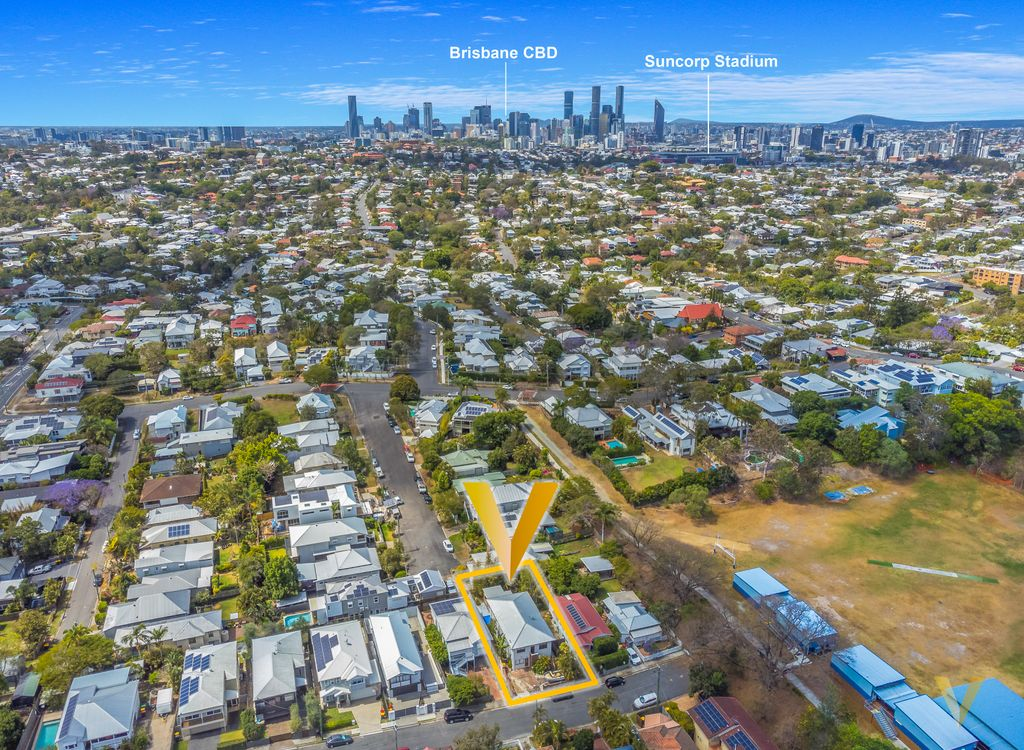 Dual Living – Exciting Renovator Opportunity in Red Hill