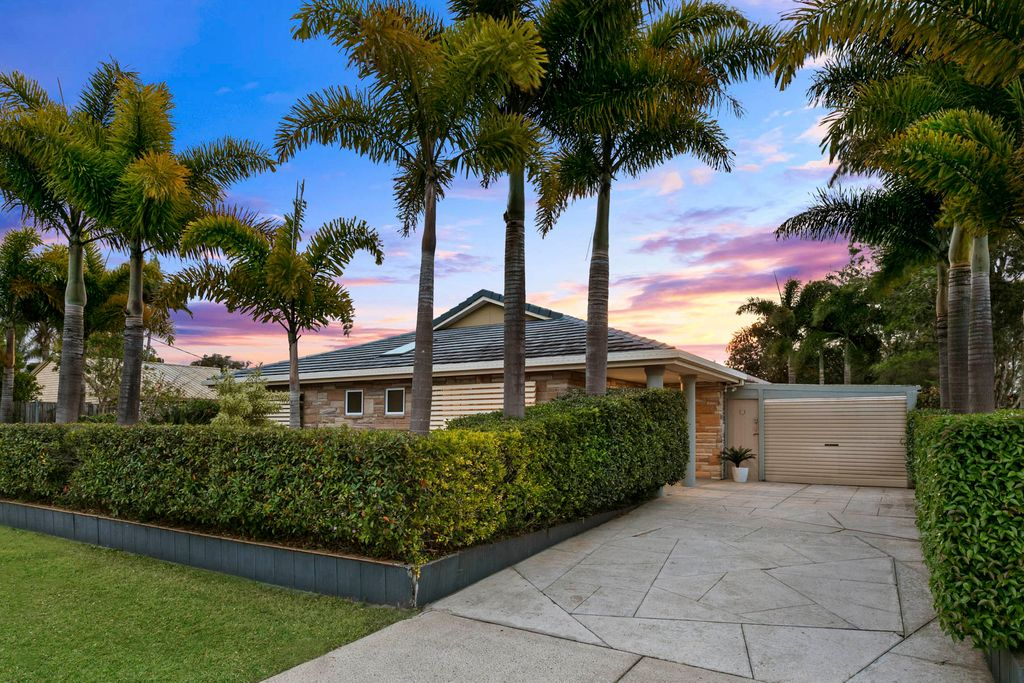 Modern family home in the heart of Coolum