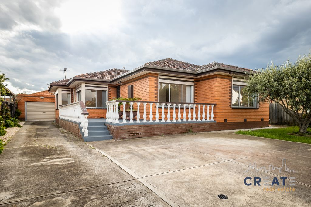 SPACIOUS FAMILY HOME IN SUNSHINE WEST