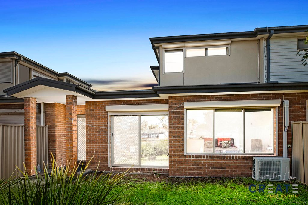IDEAL FOR FIRST TIME HOME BUYER OR SIMPLY WISE INVESTMENT