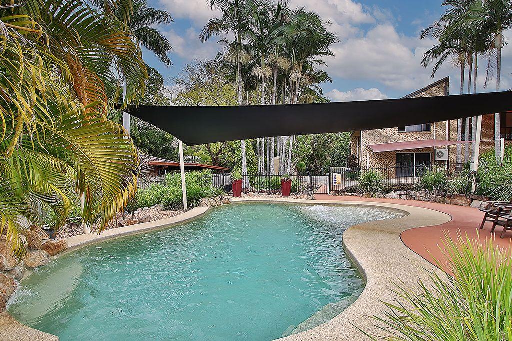 Investor liquidates!  Architechtural home with Granny Flat