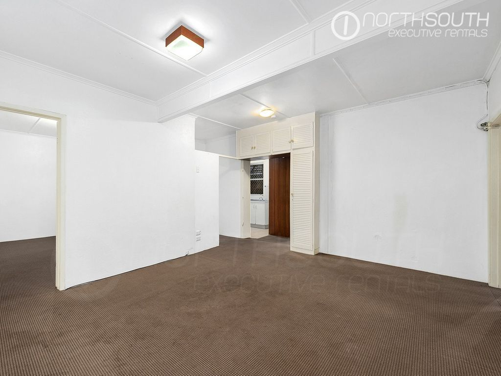Two Bedroom Apartment in Leafy Langshaw Street
