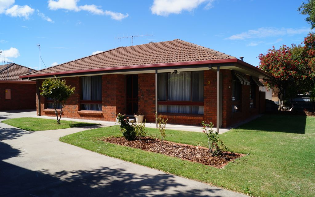 Well Located, Neat & Tidy 2 Bedroom Unit