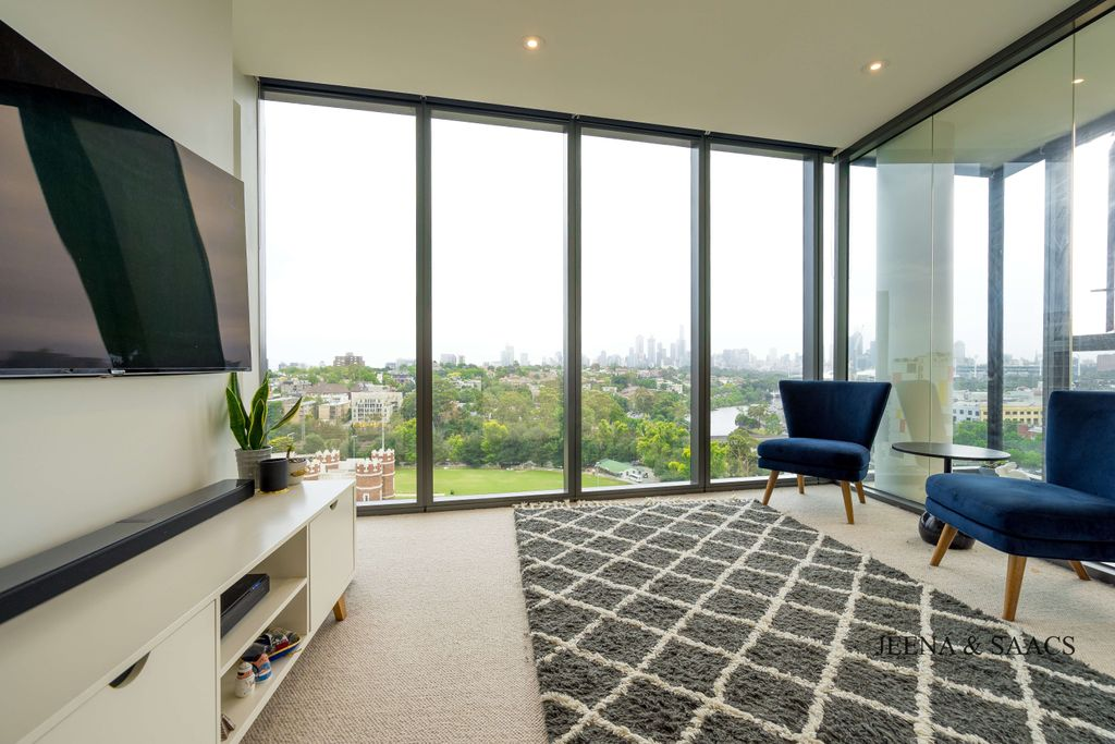 Luxurious South Yarra Living On The River