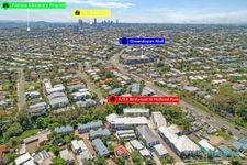 Hot Hot Hot on Holland Park – 8.1km to Brisbane CBD