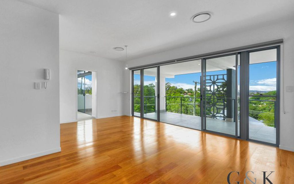 Generous living with expansive outlook