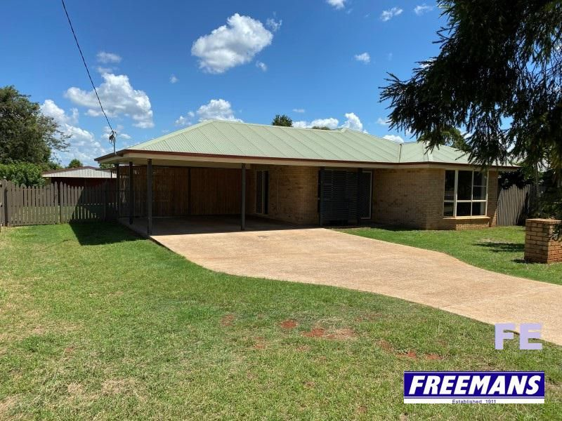 4 bedrooms, ensuite, 12×9 shed and huge pergola
