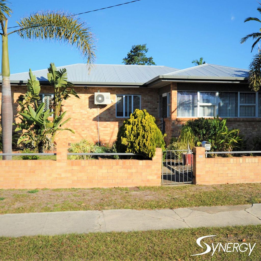 FULLY FURNISHED & FULLY AIRCONDITIONED  3 BEDROOM HOME WEST BUNDABERG