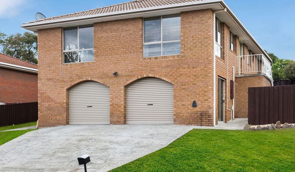 Three Bedroom Family Home With Water Views