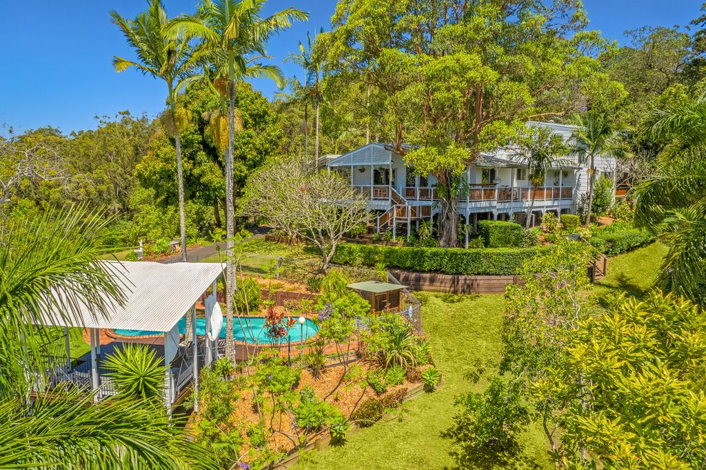 Beautiful Queenslander with dual living and stunning views