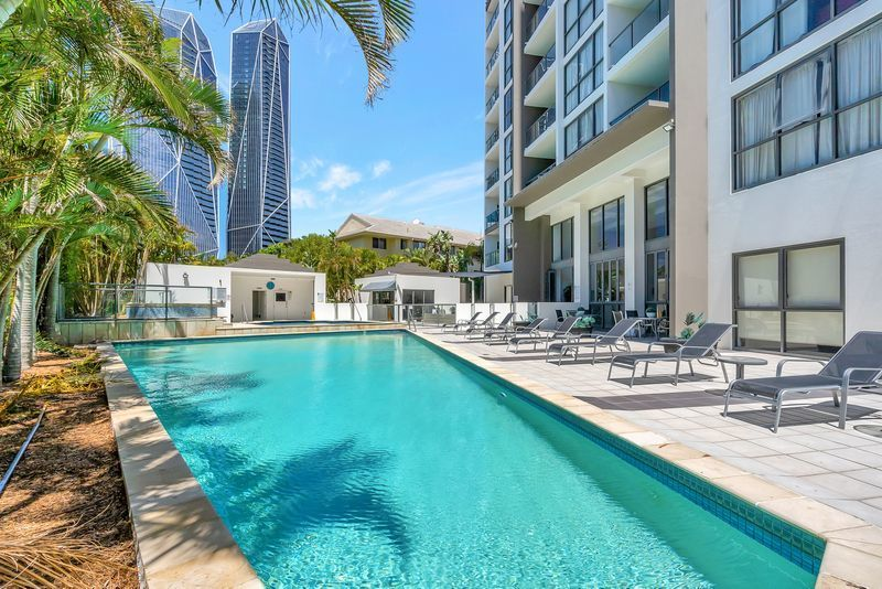 Ultimate Beach Side Living – Fantastic Buying!