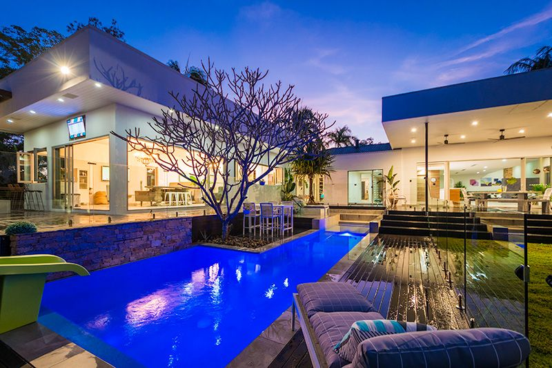 PALM SPRINGS IN VOGUE ENTERTAINER ON OVER 1619SQM