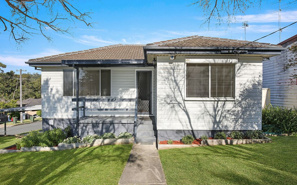 GREAT HOME/INVESTMENT!