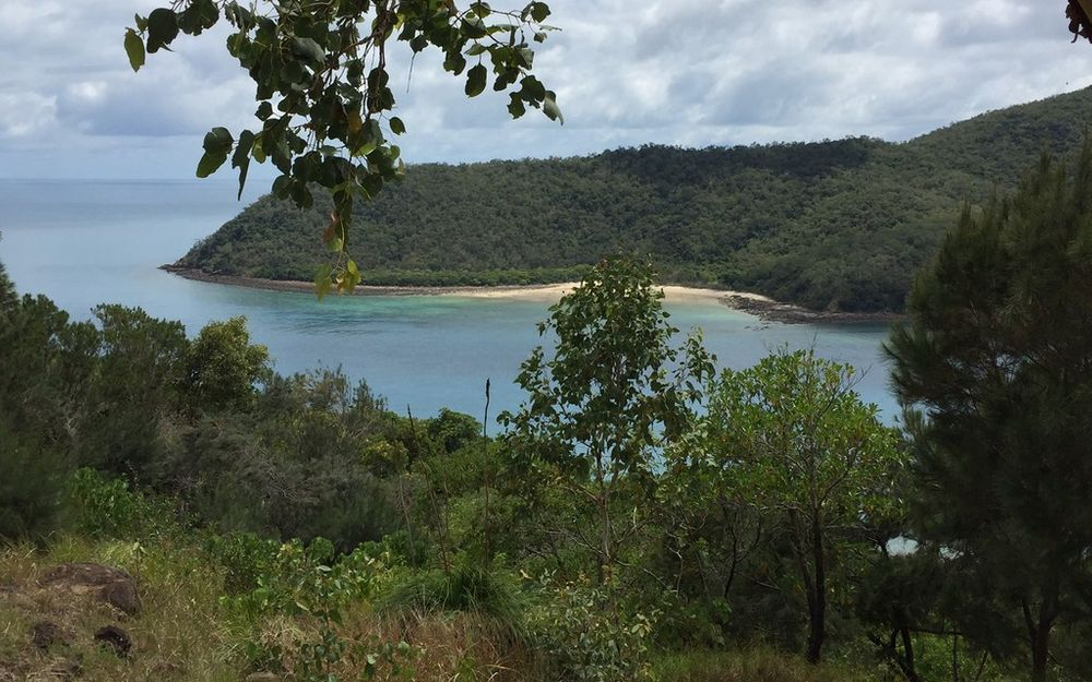 GREAT BARRIER REEF LOCATION – ISLAND LAND  with STUNNING VIEWS