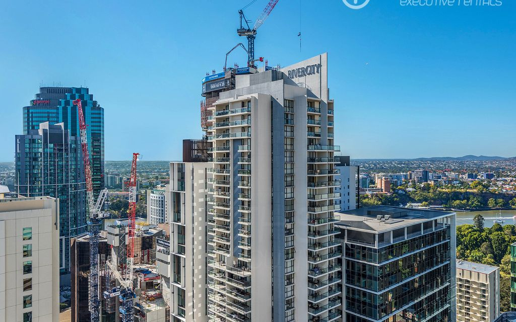 Contemporary Apartment in the CBD | Fully Furnished