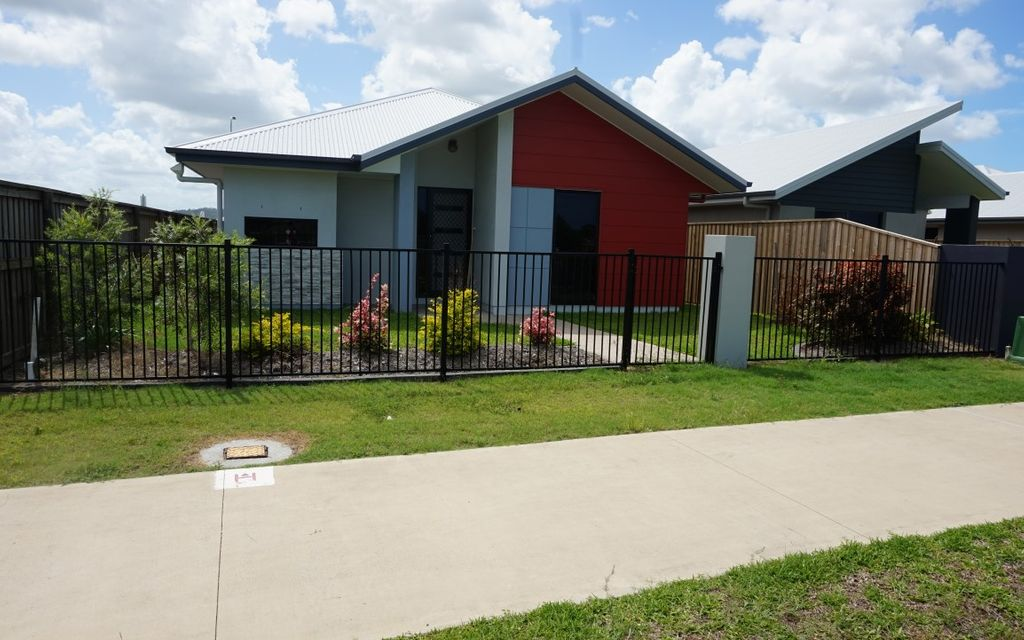 ***APPLICATIONS CLOSED*** Lovely modern home on easy care lot.
