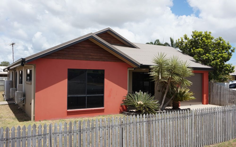 Fully Air Conditioned 3 bedroom Home