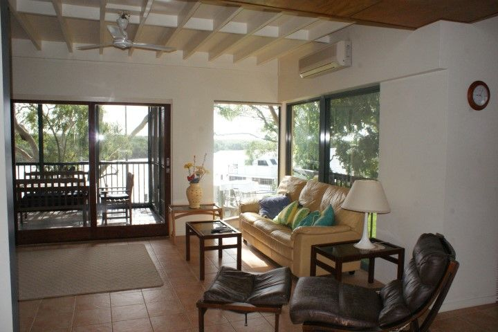 Fully Self-Contained 2 Bedroom Riverside Apartment