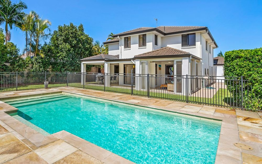 UNDER CONTRACT….SENSATIONAL FAMILY LIVING IN SORRENTO